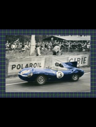 WALLPAPER : La Jaguar Type-D , victorieuse du Mans 1957 - Tartan bleu