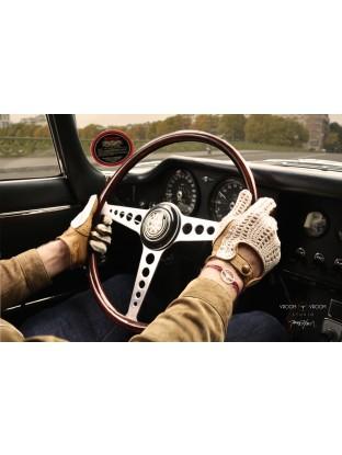 Plexiglas HD Gentleman Vroomer au volant